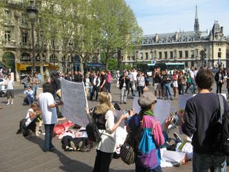 paris-FLASHMOB-10-Aprilie-2011-049.